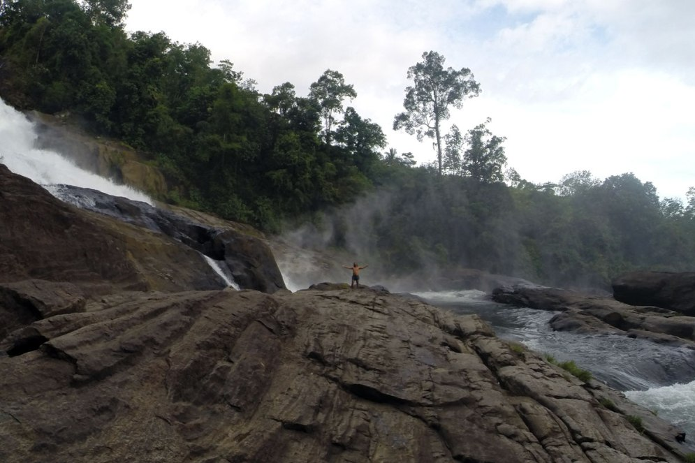 Big waterfall in Sri Lanka. Picture Heini Härsilä.