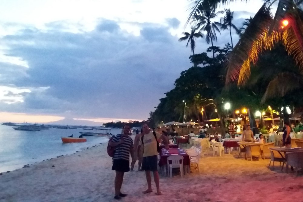 Alona beach restaurants in Panglao